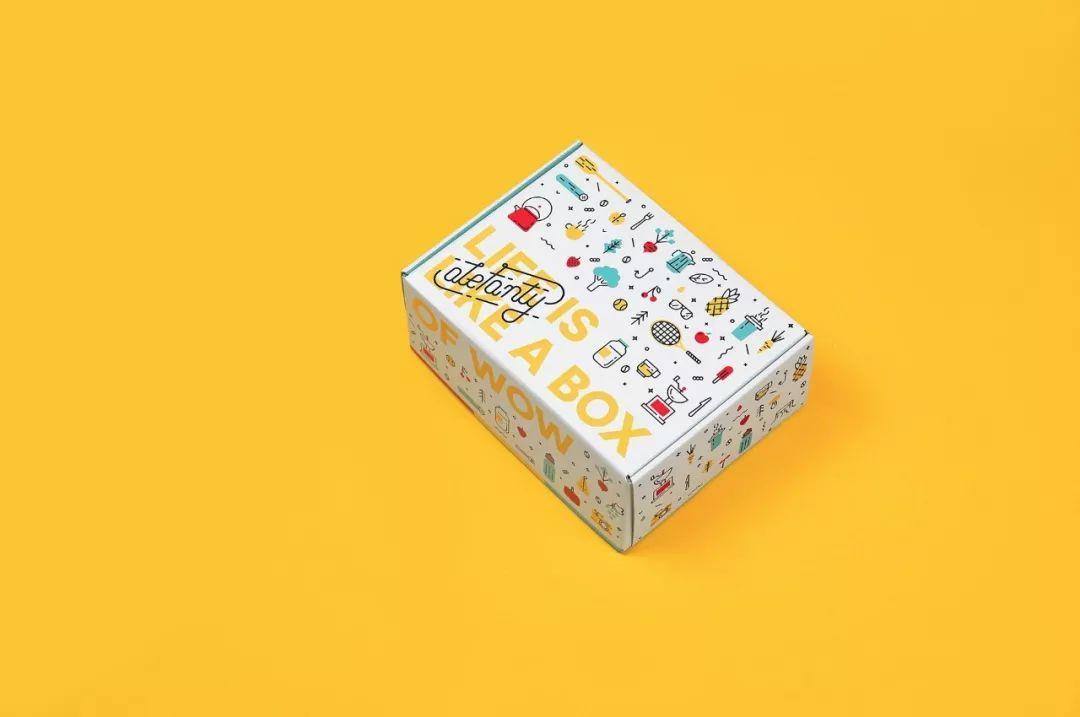 只用文字+图案排版的外卖包装设计欣赏